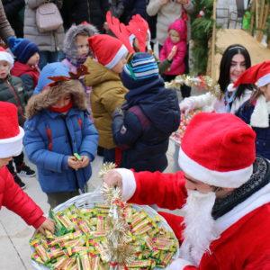 Predbožićno vrijeme u Opuzenu obilježeno je veseljem, smijehom, dobrom zabavom i ugodnim druženjem